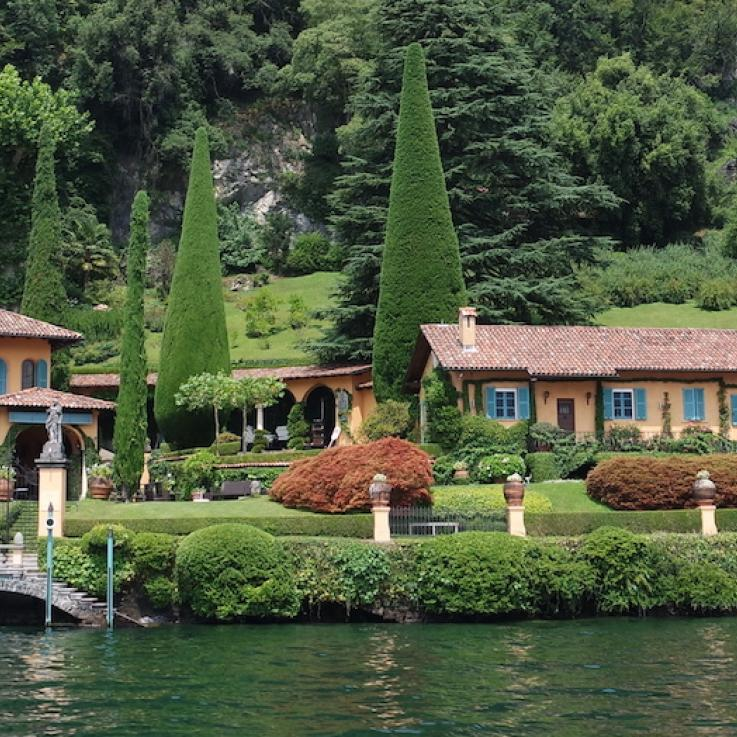 Вилла на первой линии озеро Комо Италия